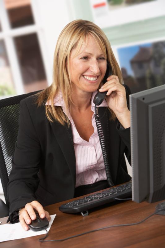 female_estate_agent.jpg