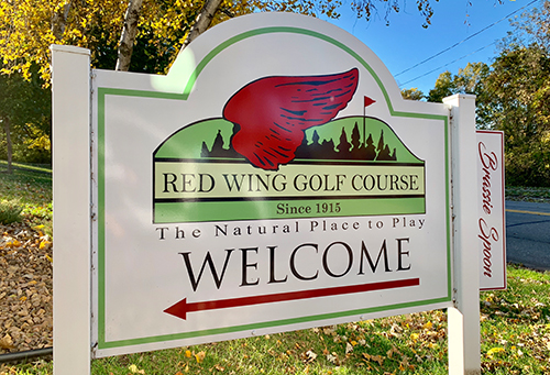 Image of the Red Wing Golf Course sign in sunlight