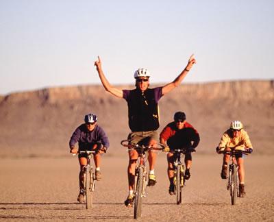 desert-bicyclists.jpg