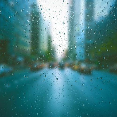 rain-taxi-blurry