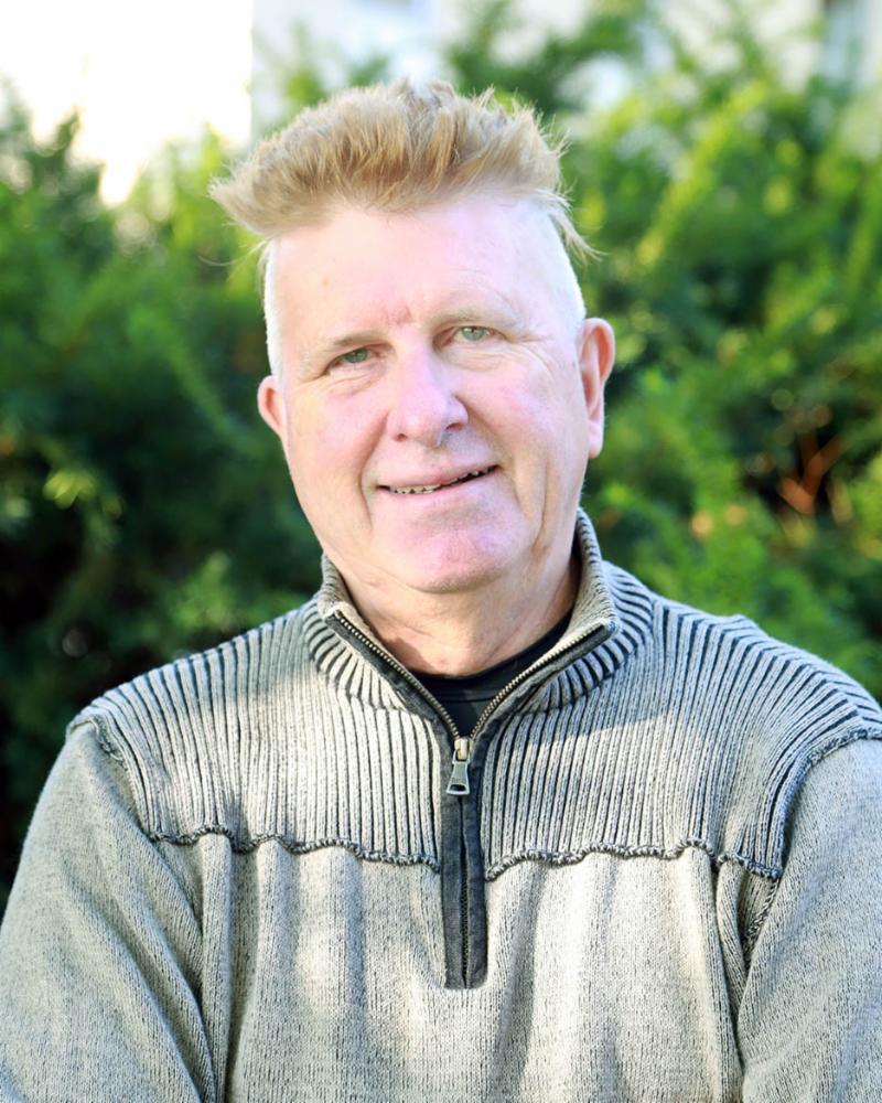 Joel Geske outdoor headshot