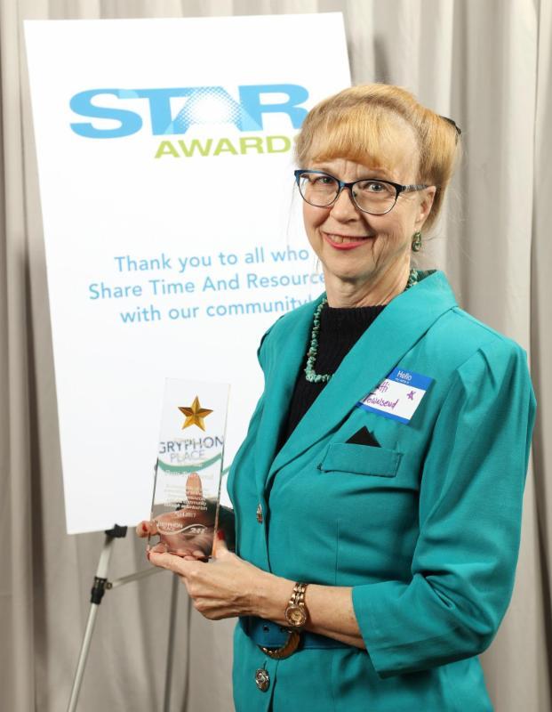 Patti with STAR award