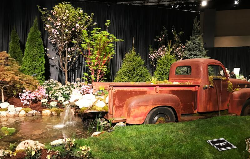 Flower show old car display