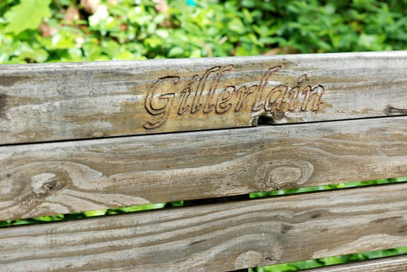 Gillerlain bench close up