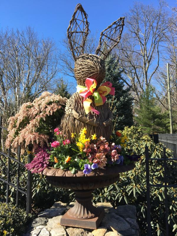 Easter Bunny entrance urn