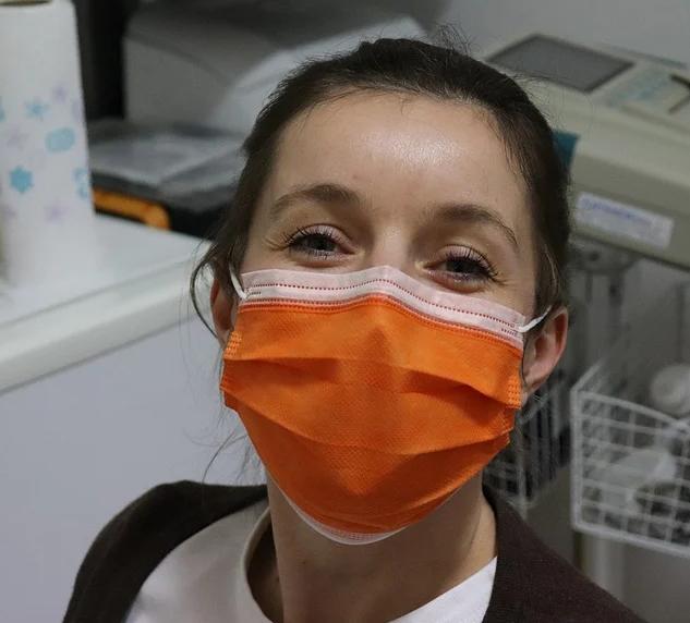 Heathcare worker wearing mask