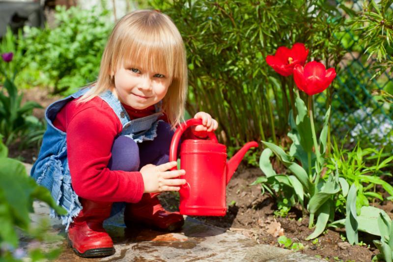girl_red_watering_can.jpg
