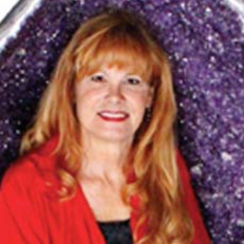 Karen Richards owner of Nature's Treasures