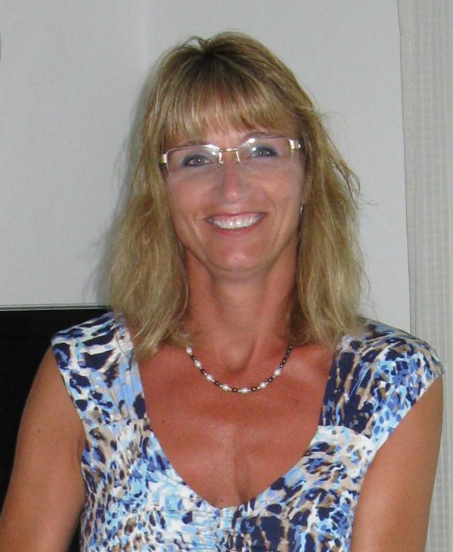 Laurie Pratt Headshot