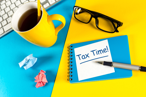 Tax time - Notification of the need to file tax returns_ tax form at accauntant workplace