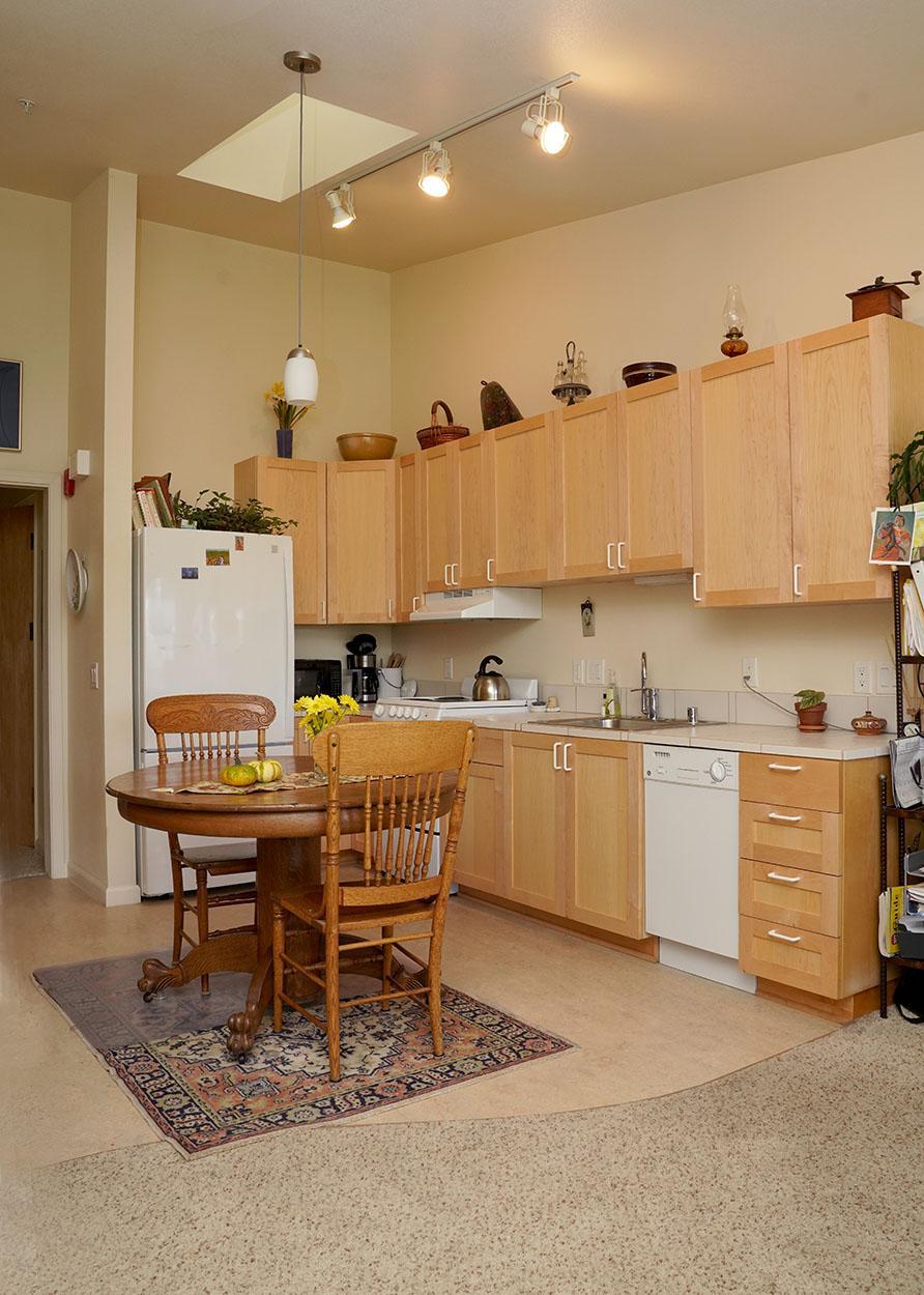 #308 kitchen