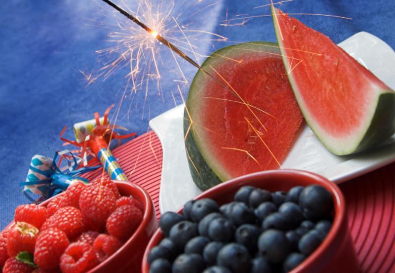 patriotic_picnic_sparkler.jpg