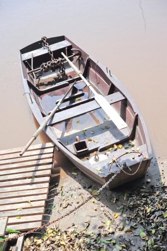 boat_water.jpg