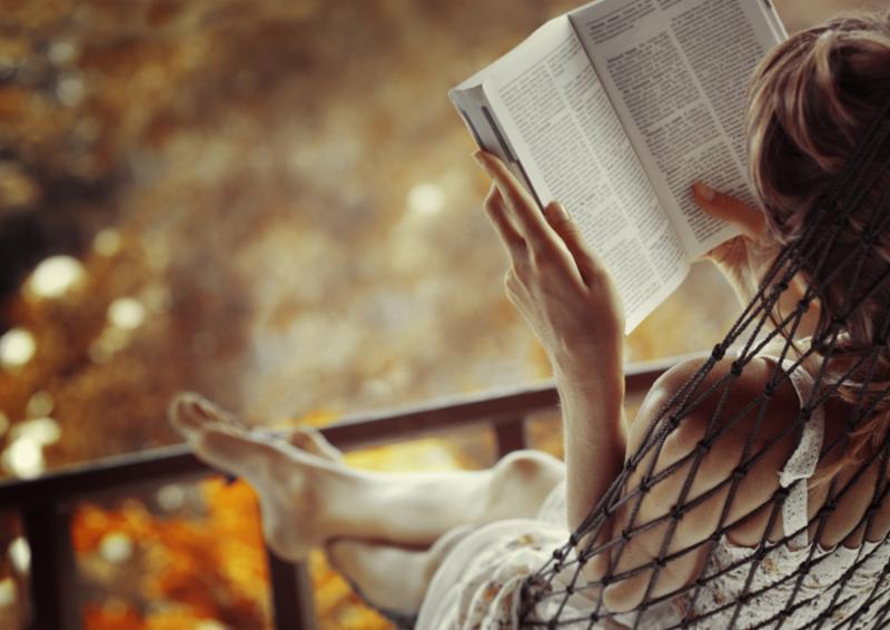 woman_hammock_reading.jpg