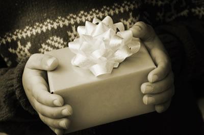 winter-gift-holding.jpg