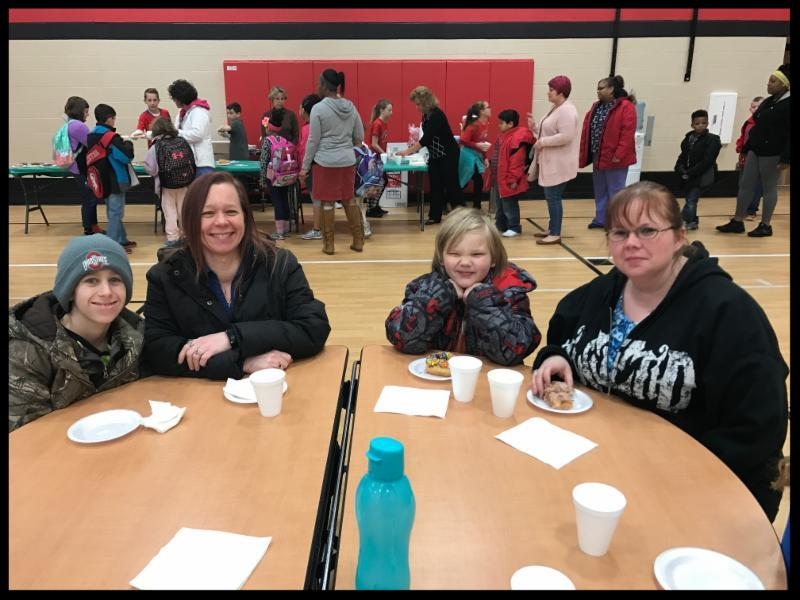Moms enjoy breakfast with students