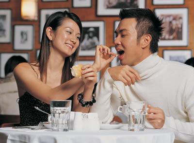 couple-feeding-eachother.jpg
