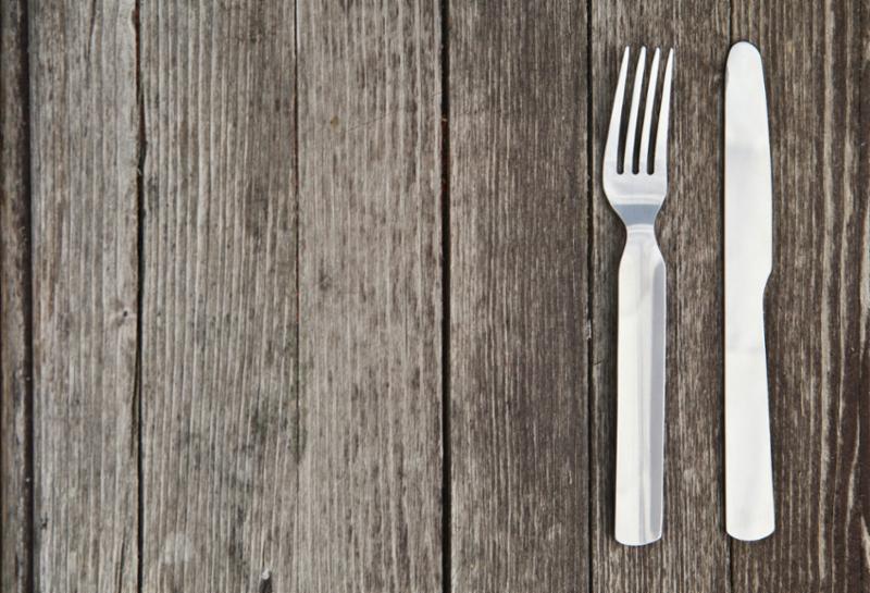knife_fork_table.jpg