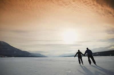 hand-holding-skaters.jpg