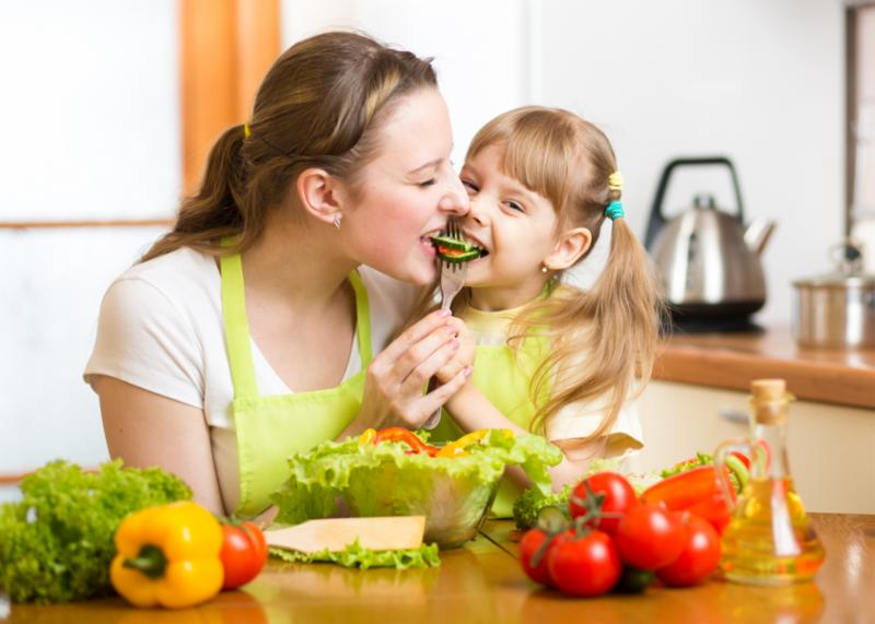 mother_kid_vegetables.jpg
