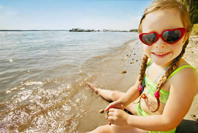 sunglasses-beach-child.jpg