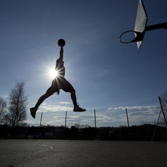 basketball_man_jump.jpg