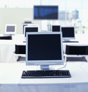 flatscreen-computer-room.jpg