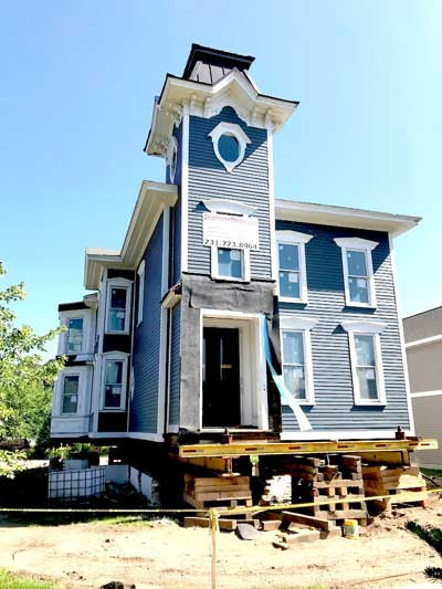 Lilley house jacked onto blocks