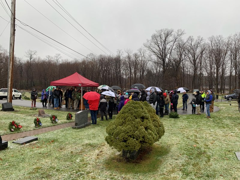 Wreaths Across America volunteers