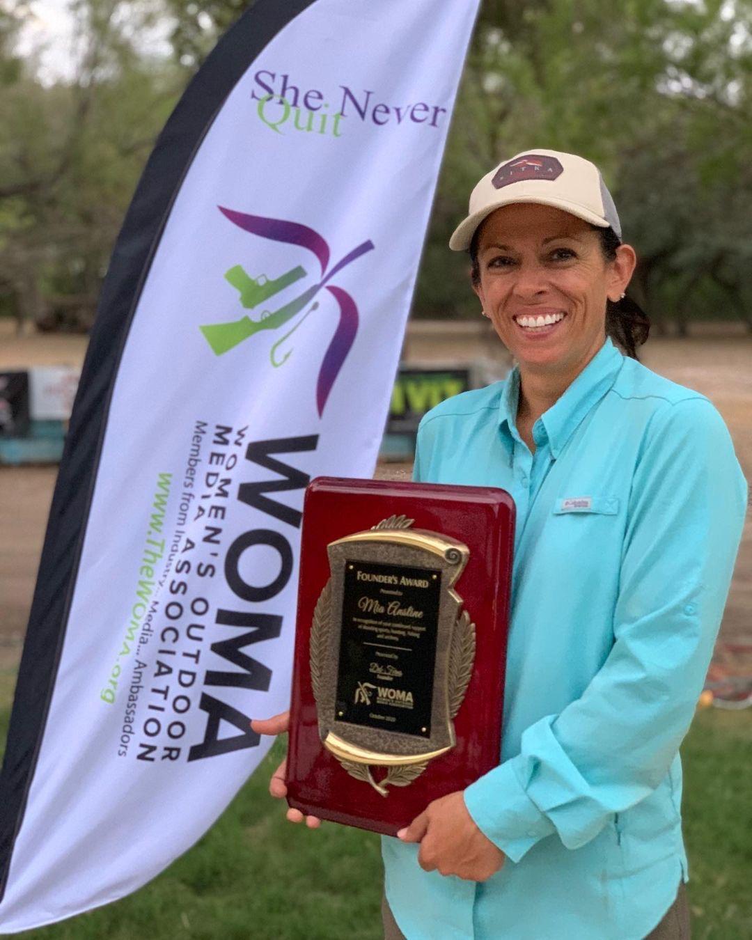 Mia Anstine Receives WOMA Founder's Award