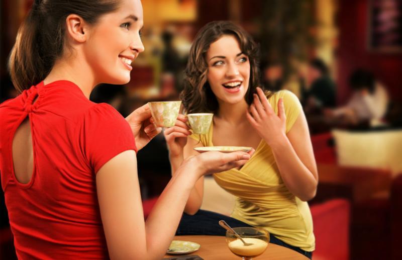 woman_chatting_coffee.jpg