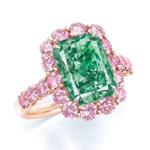 Town & Country © Courtesy: Scarselli Diamonds 'Aurora Green' ring