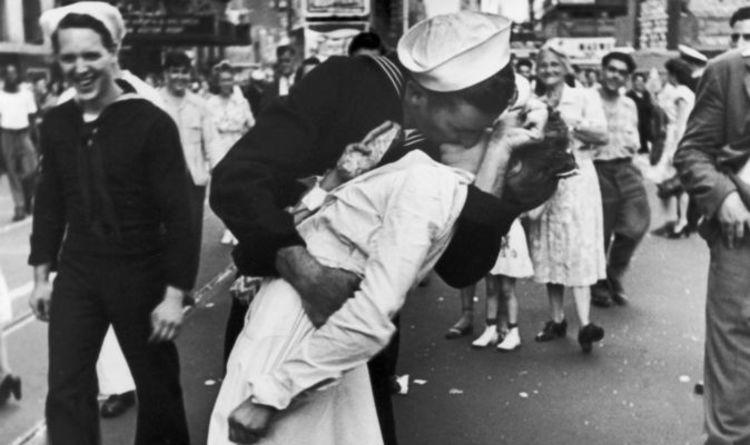 WAR KISS.jpg