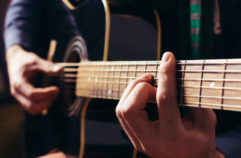 guitar_hand.jpg