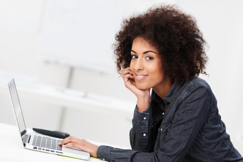 businesswoman_laptop.jpg