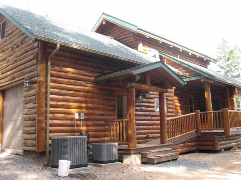 Gary Blanks log home