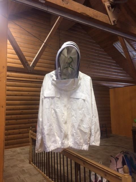 Protective bee suit