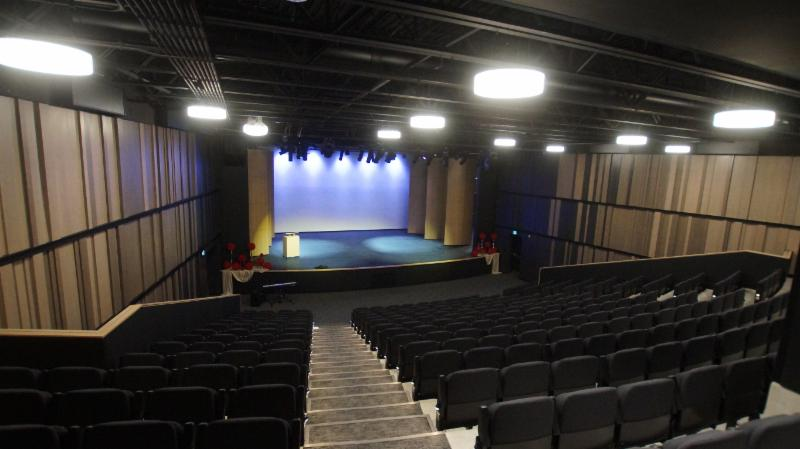 325 seat theatre