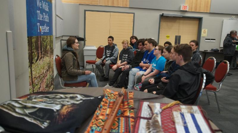 Students learning Ojibwe language