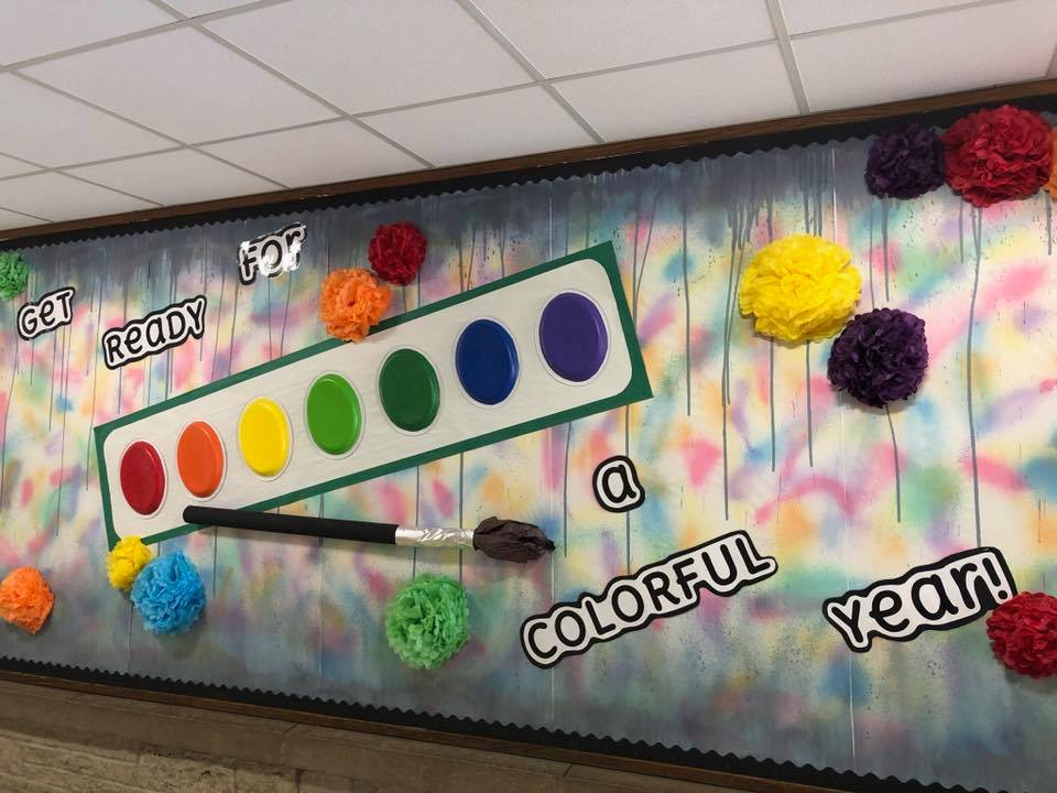 Decorated art wall - Get ready for a colorful year!