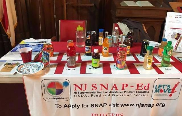 NJ SNAP - Ed does a lesson about sugar in beverages..