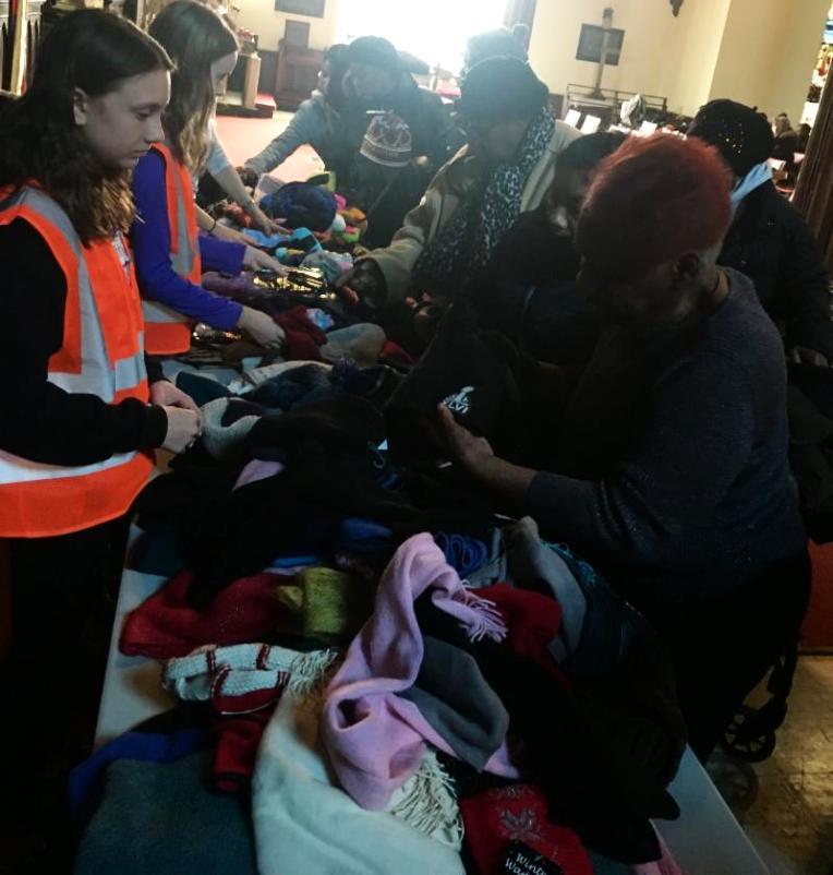 MMS students help clients choose winter wear