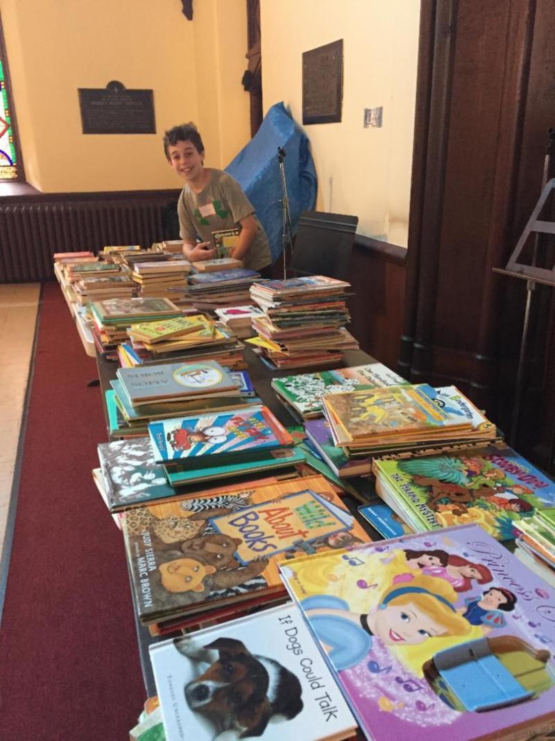 Samuel Nasberg-Abrams brings books to IFPO