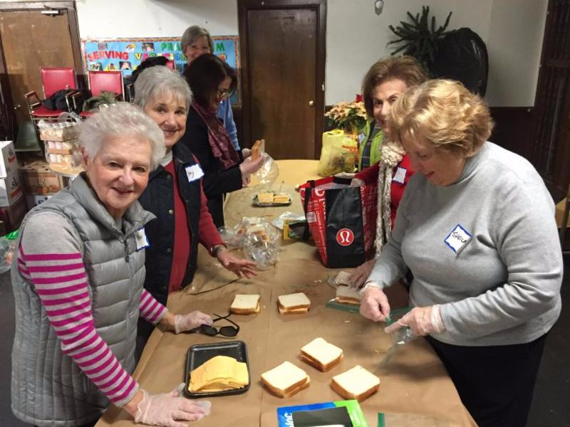 sandwhich making for holiday distributon