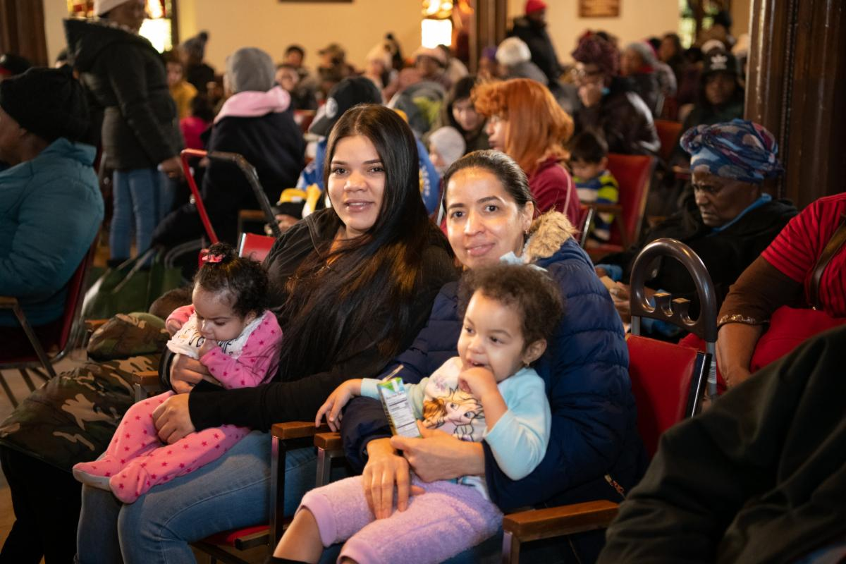 IFPO-237.JPG holiday clients in Sanctuary w. kids
