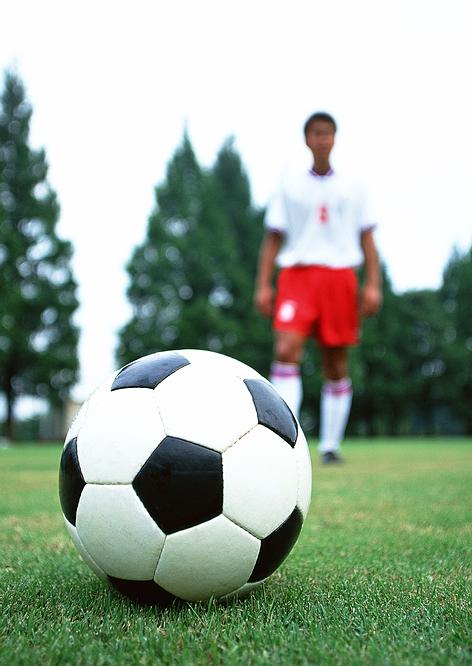 soccer_ball_player.jpg