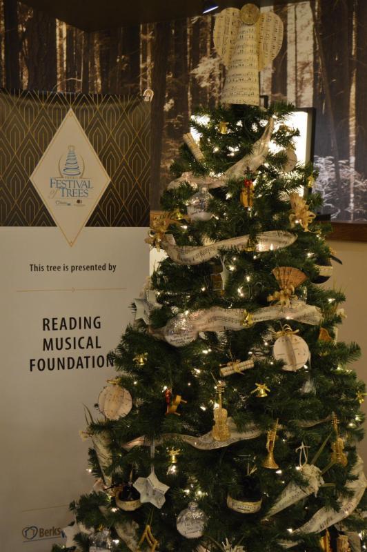 RMF Affiliate Christmas Tree closeup.JPG