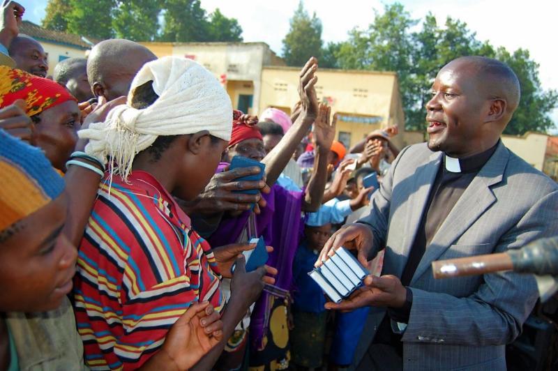 Pastor Etienne