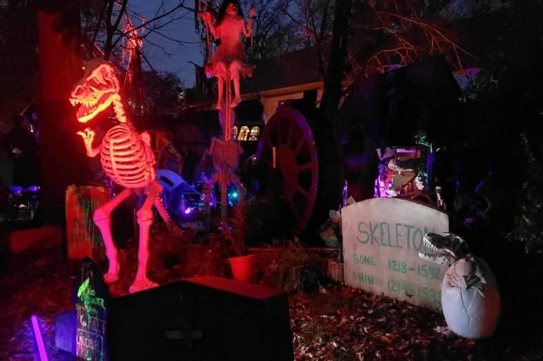Craig Heard halloween decorations