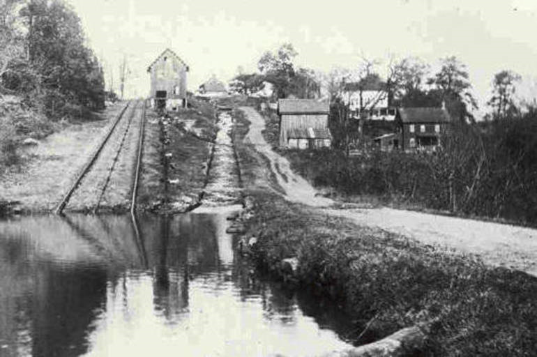 Black and white photo of the Morris Canal Plane from 1800s.